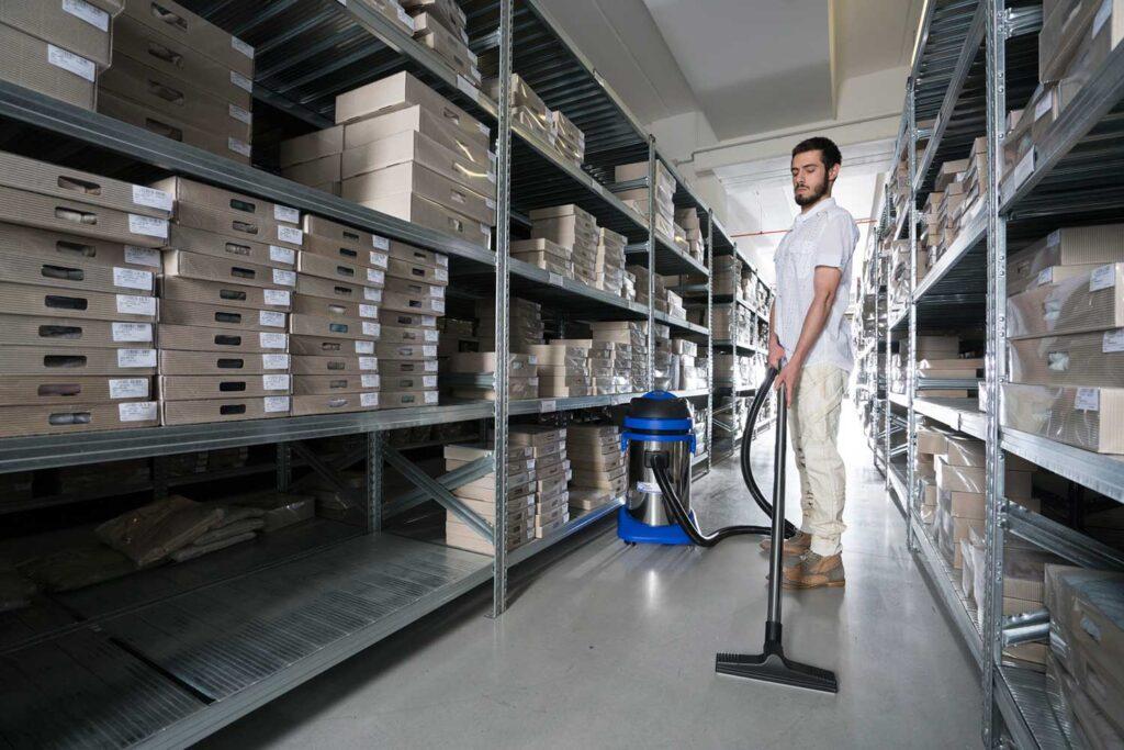 pulire-pavimenti-aspiratore