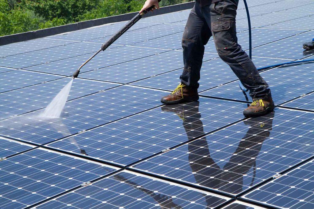 come pulire pannelli fotovoltaici con idropulitrice