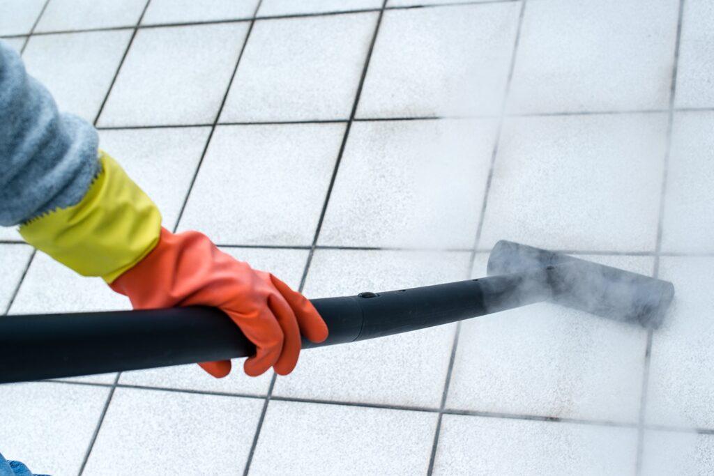 usare vapore per pulire