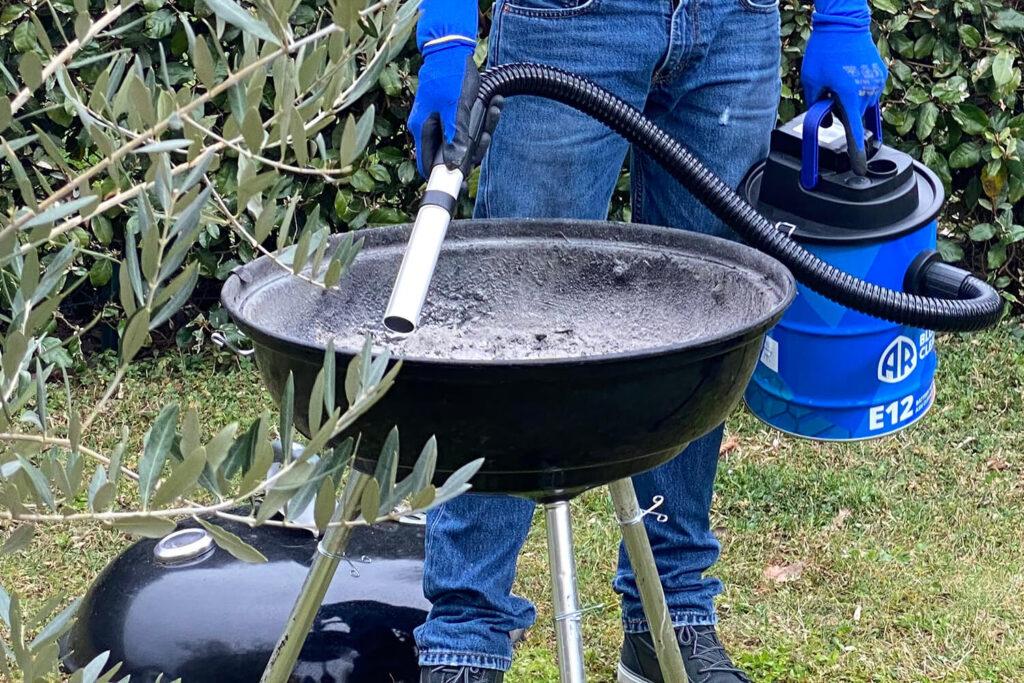 come-pulire-il-barbecue-aspiracenere