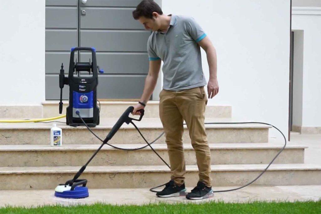 igienizzare esterno di casa