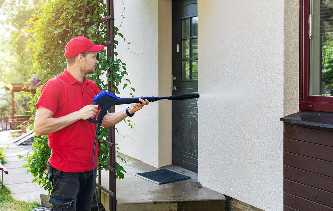 lavare la facciata con idropulitrice