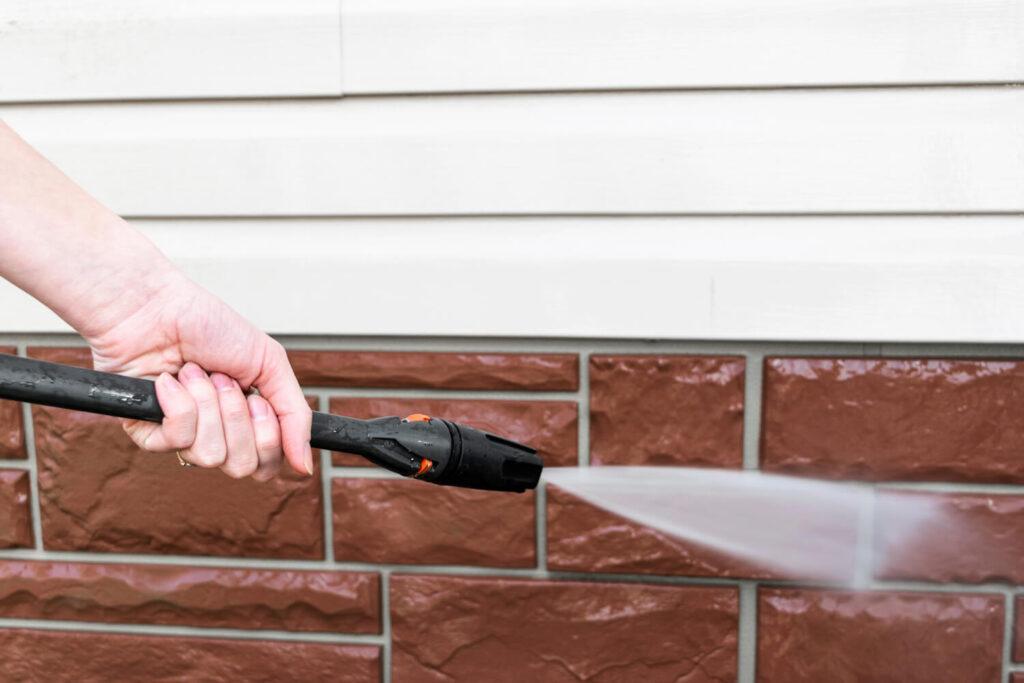 pulire facciata esterna della casa