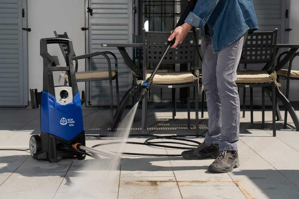 eliminare-muschio-dal-cemento-idropulitrice
