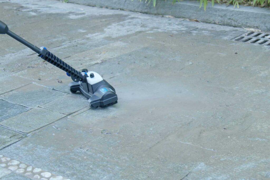pulire-pavimenti-esterni-porosi