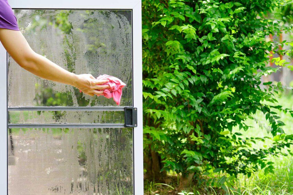 lavare-le-zanzariere