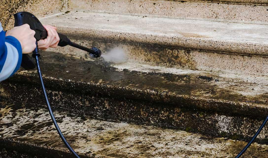come-pulire-le-scale-esterne-in-pietra