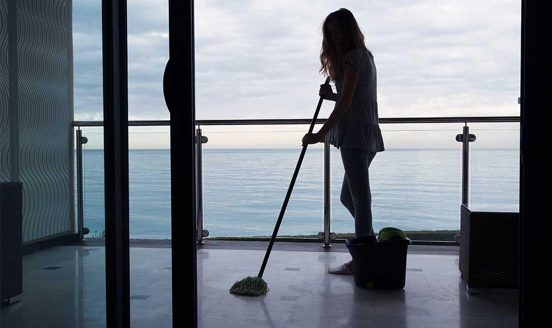 Pulire la casa al mare